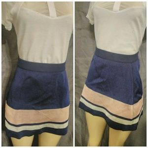 THICK & STRETCHY HIGHWAISTED TOPSHOP SKIRT!